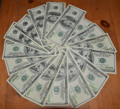 A bunch of $100 bills... ripe for asset forfeiture?