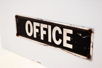 Know Your Value: Picture of an office sign